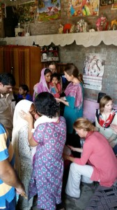 sep16-jammu-team-praying-at-a-home